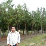 El ex Alcalde de Sonche con el producto de su gestión en Nuevo Olmal 2003 - 2010