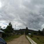 Así se ve Nuevo Olmal desde la carretera, un poblado polvoriento mas, sin notar sus potencialidades y el empuje de su población