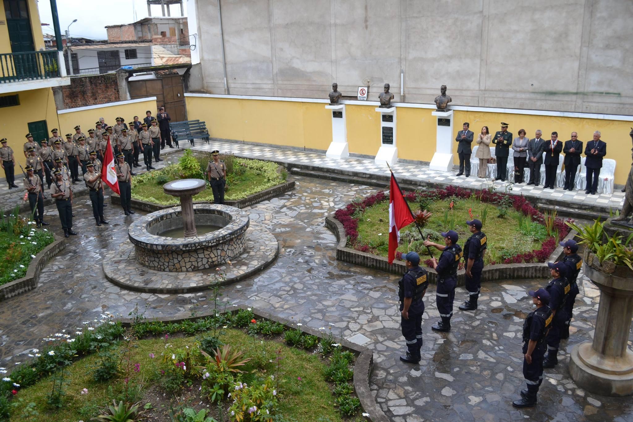 MUNICIPALIDAD DE CHACHAPOYAS RINDIÓ HOMENAJE A HEROES DE LAS BATALLAS DE SAN JUAN Y MIRAFLORES